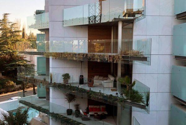 Viviendas realizadas en vidrio laminado templado